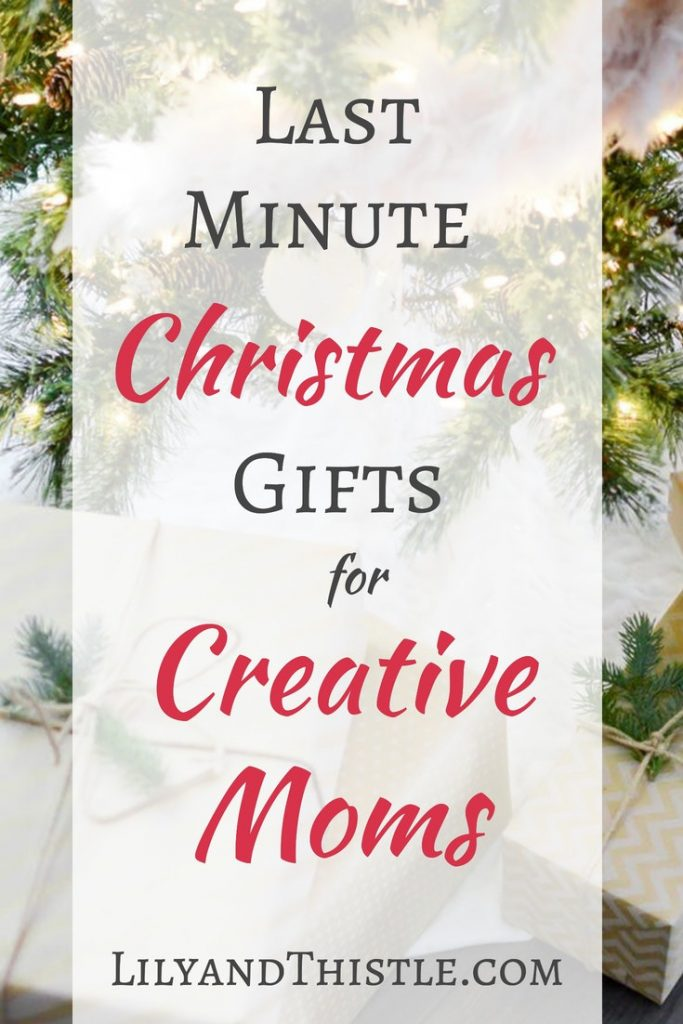 Christmas gift ideas for artist, crafter, creatives, painters, watercolor artists, hand-lettering pros who also happen to be moms! Great budget friendly and time friendly ideas that can be to her today! #christmasgiftguideforcreatives #artistgiftguide #giftguideformom
